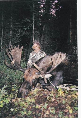 2004 Moose Laine Parish with a great bull Moose